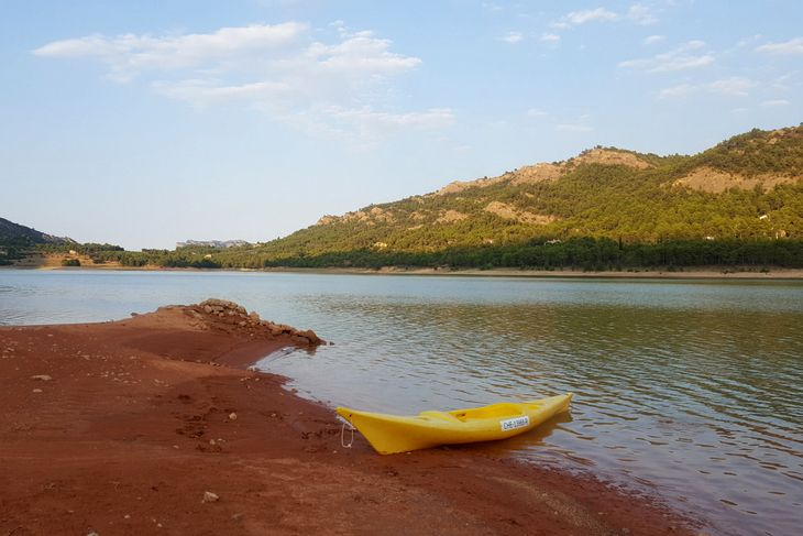 kayaks en el embalse de pena valderrobres