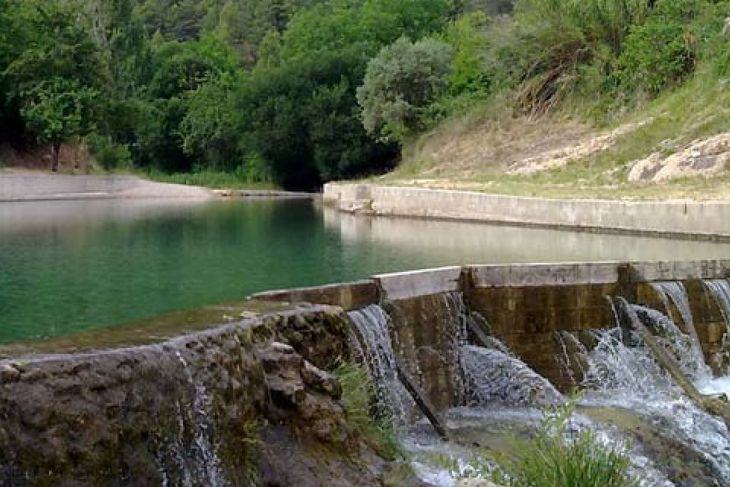 piscina natural cerca del camping el roble