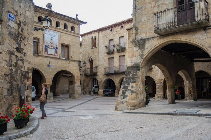 portales plaza españa calaceite