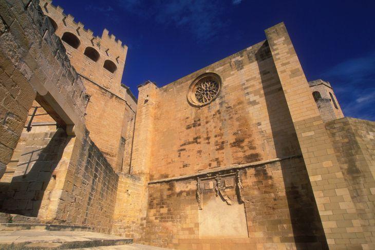 entrada castillo e iglesia valderrobres