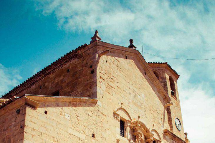 fachada iglesia beceite
