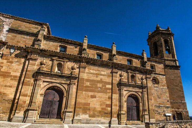 fachada iglesia fresneda