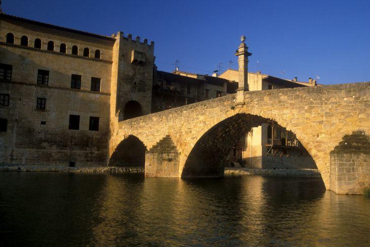 puente de piedra valderrobres