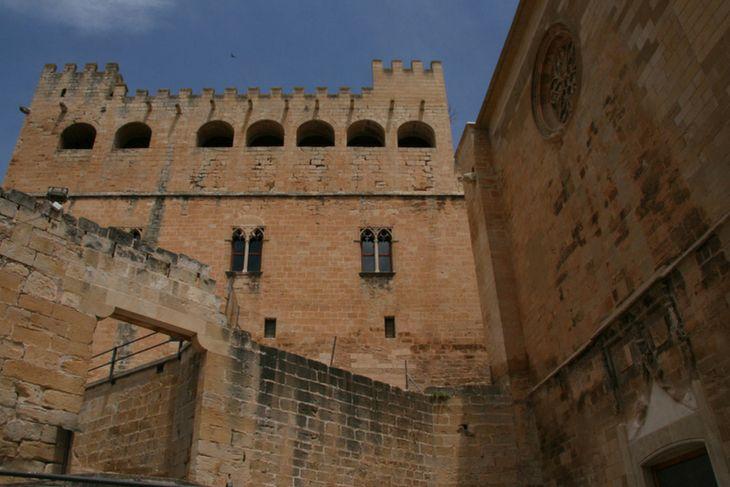 conjunto iglesia castillo valderrobres