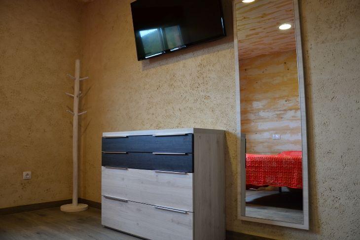 Televisión en habitación Camping Matarraña