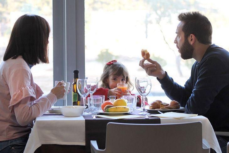 Desayunando en restaurante La Alcuza